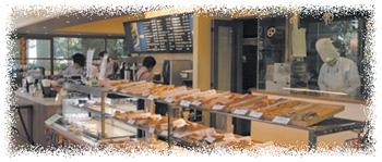 パン屋さんの店先イメージ写真