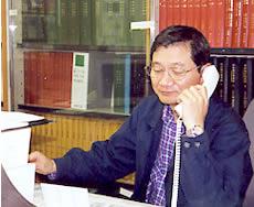 相談センターにはひっきりなしに相談の電話がかかってくる(連合大阪・石黒さん)